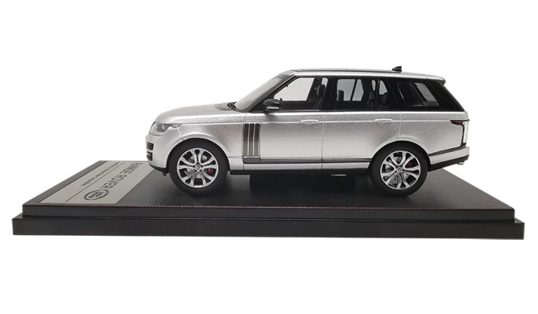 LCD43001SL-C-Range-Rover-Sv-Autobiography-Dynamic-2017-Silver-143-LCD-Models