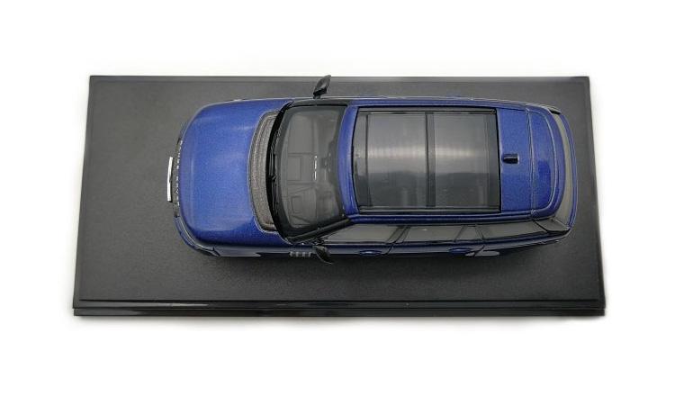 LCD 64002BU F Range Rover Sv Autobiography Dynamic 2017 Blue 1-64 LCD Models