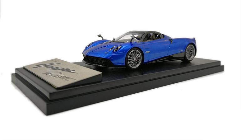 Pagani Huayra Blu Lcd Model scala 1/43