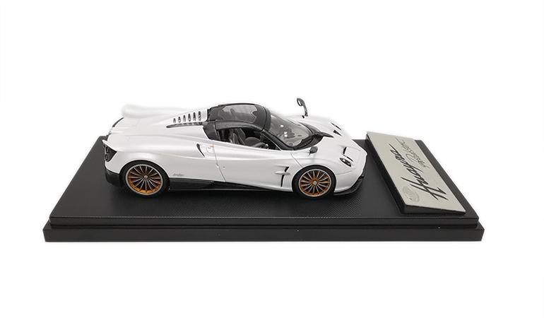 Pagani Huayra Bianco Lcd Model scala 1/43