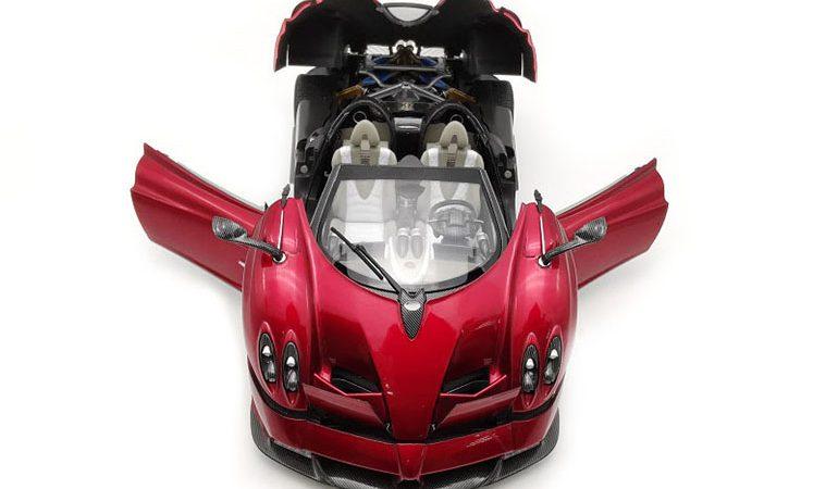 Pagani Huayra Rosso Lcd Model scala 1/18