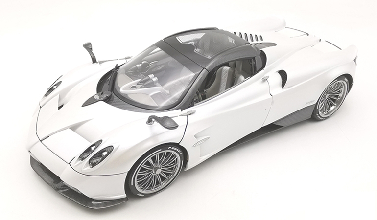 Pagani Huayra Bianco Lcd Model scala 1/18