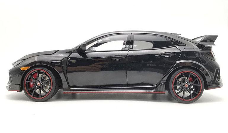 Honda Civic Type-R FK8 colore nero scala 1/18