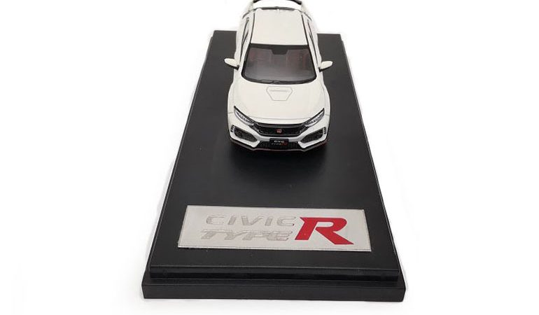 Honda Civic Type-R FK8 colore bianco scala 1/64