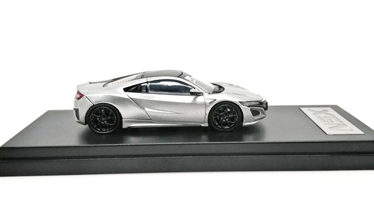 Modellino Honda NSX LCD Models in scala 1/64 silver