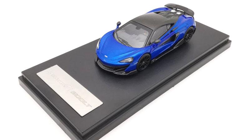 McLAREN 600LT modellino da collezione di colore blu scala 1/64. LCD Models