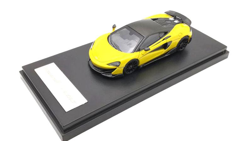 McLAREN 600LT modellino da collezione di colore giallo scala 1/64. LCD Models
