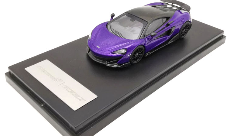 McLAREN 600LT modellino da collezione di colore viola scala 1/64. LCD Models